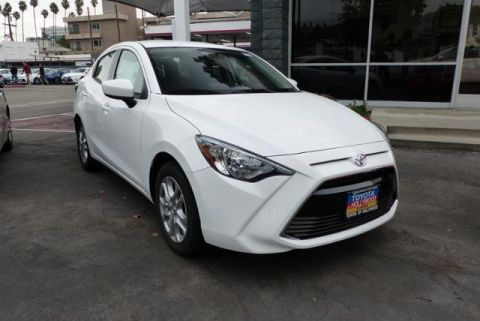 New 2017 Toyota Yaris iA Automatic (Natl) FWD 4dr Car
