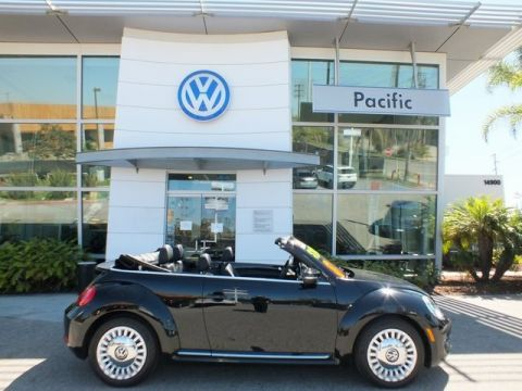 Certified Pre-Owned 2013 Volkswagen Beetle 2.5L FWD 2D Convertible