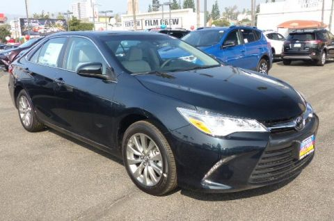 New 2017 Toyota Camry XLE V6 FWD 4dr Car